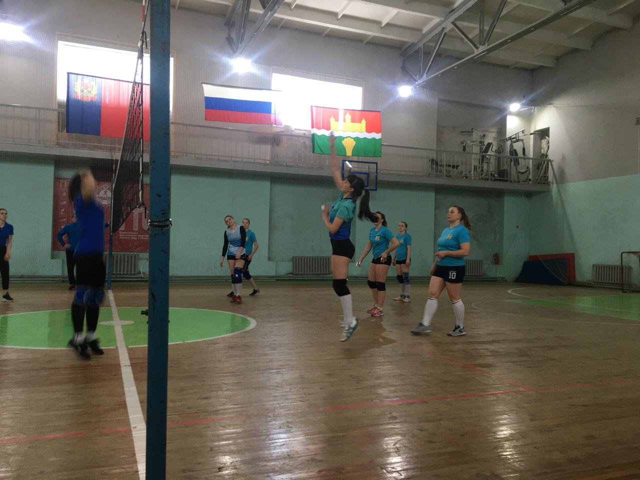 Соревнования по волейболу среди женских команд Кемеровского муниципального округа