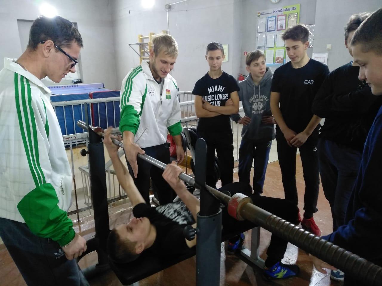 16-ого ноября в поселке Новостройка Кемеровского района прошел мастер-класс по пауэрлифтингу
