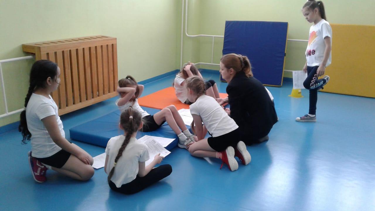 Школьники Металлплощадки выполняли нормативы ГТО